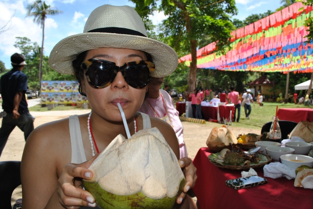 fresh coconut juice organic summer drink